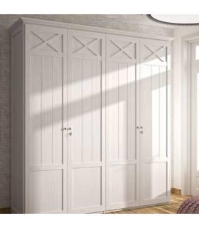 Armario de madera con cuatro puertas