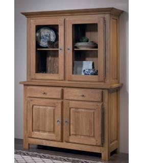 Vitrina con dos cristales y dos puertas inferiores. Realizado con madera de roble macizo de gran calidad.