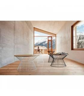Mesa de madera en ambiente