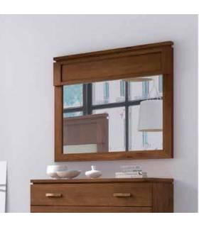 espejo con marco en nogal de José Ibañez