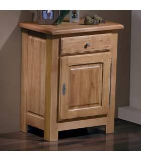 Mesita auxiliar con una puerta para guardar objetos en su interior.