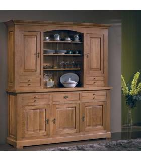 Gran vitrina realizada con madera de roble macizo de alta calidad.