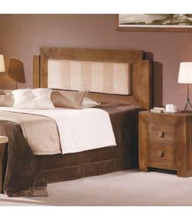 Cama de estilo rústico realizada en madera de alta calidad.