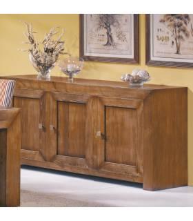 Aparador de estilo rústico realizado en madera de roble macizo.