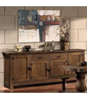 Aparador de estilo rustico realizado en madera de roble macizo.