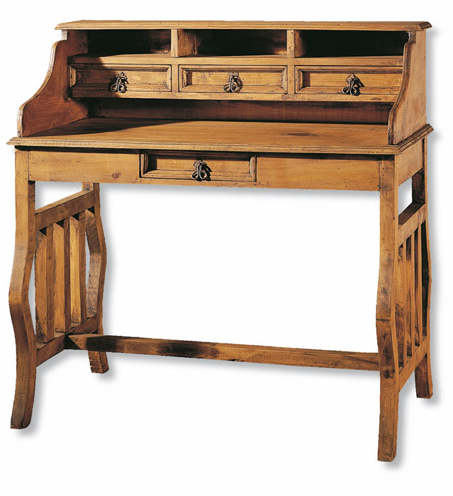 mesa rustica de estudio con patas