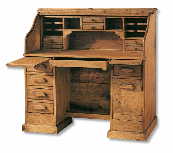 mesa rustica de estudio con persiona